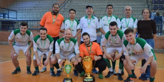 Equipe do hospital Tacchini é campeã do torneio de futsal